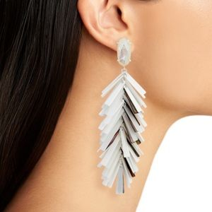 KENDRA SCOTT NWOT Jastyne earrings